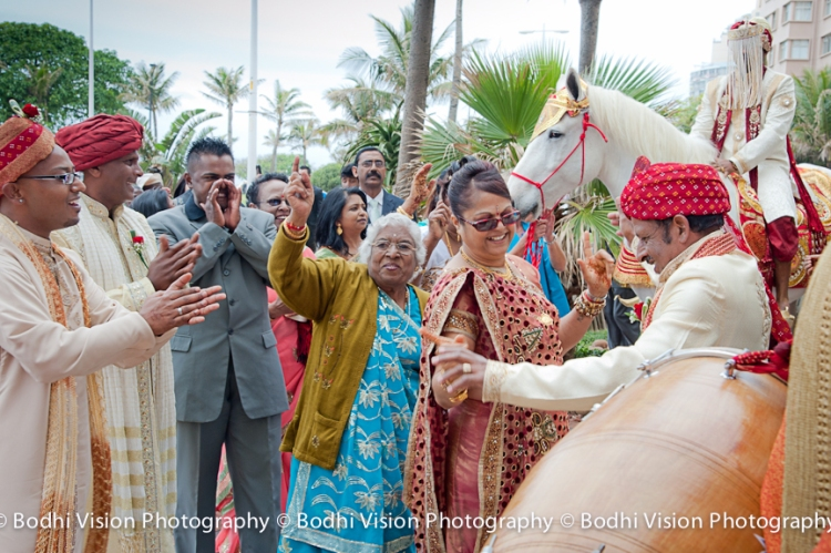 Bodhi Vision Photography, Hindi Wedding Photography, Durban Indian Wedding Photography, Indian Wedding Horse in Durban, Durban Hindi Indian Bride Photography, Drum Punditz